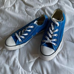 Blue low top converse w6 m4 new